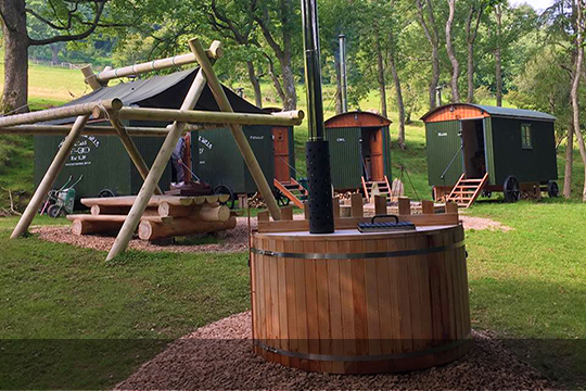 WOOD FIRED CEDAR HOT TUBS AND SAUNAS